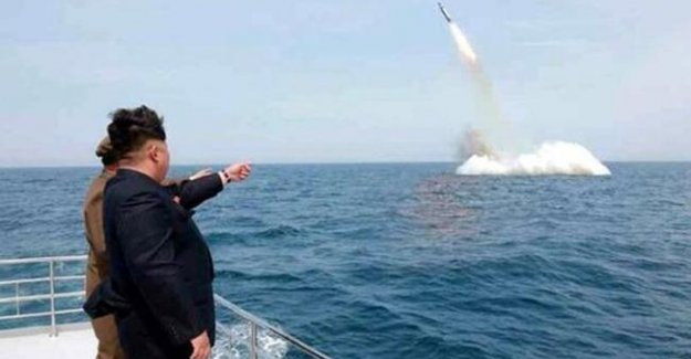 Kuzey Kore Japonya'ya Füze Fırlattı
