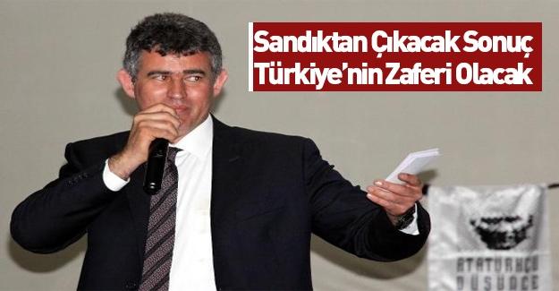 Hukukçu Feyzioğlu cübbesini çıkarmadan siyaset yapıyor!