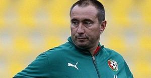 """Galatasaray'ın rakibi Astana Teknik Direktörü Stoilov'dan """"Sıkı bir Fenerbahçe taraftarıyım"""" açıklaması!"""
