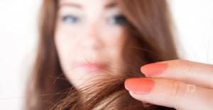 Nourishing Boyalı Yıpranmış Saçlar İçin Bitki Özü Takviyesi Yapıyor