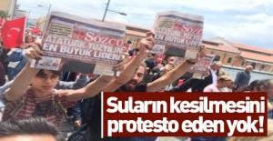 İzmir'de Sözcü protestosu