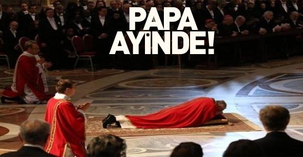 Papa Haç Yolu Ayini'ni yönetti