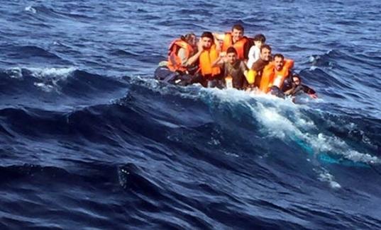 Ege'de yine aynı facia! Kaçakları taşıyan bot battı, 3 çocuk can verdi...