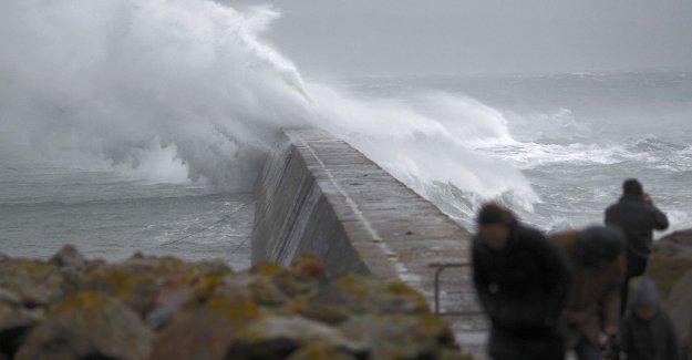 Meteoroloji'den flaş uyarı! Seçim günü fırtına mı kopacak? 1 Kasım'da hava durumu nasıl olacak? (30.10.2015)