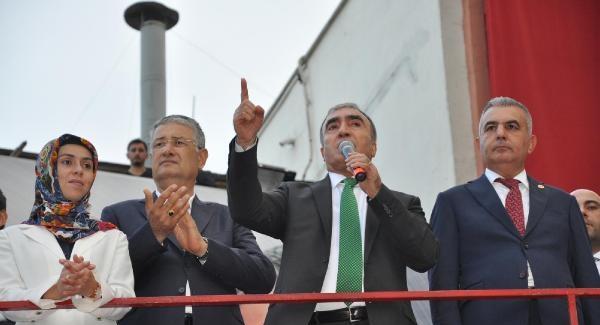 MHP'li Öztürk: 'Ey Başbakan, Ankara bombasının bir yerinde emrettiklerinin eli var mıydı?'