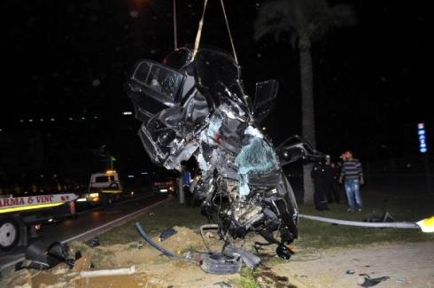 ABD'den askerlik yapmak için Antalya'ya gelen genç trafik kazasında vefat etti