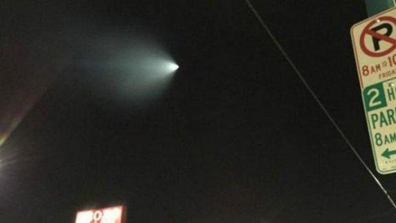 California'da gökyüzünde görülen parlak cisim 'UFO' paniği yaşandı!