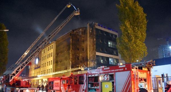 Haliç Üniversitesi'nde yangın paniği! Yangının neden çıktığı araştırılıyor