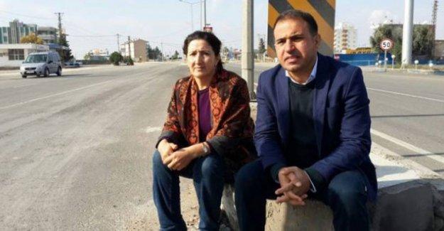 HDP'li vekiller Atalan ve Yıldırım, Nusaybin'de açlık grevine başladı