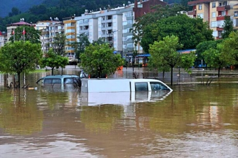 Karadeniz'de sel faciası kapıda! Meteoroloji'den Rize ve Artvin çevreleri için kuvvetli yağış uyarısı...