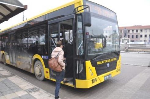 Malatya'da facianın eşiğinden dönüldü! Kalp krizi geçiren belediye otobüsü şoförü ölümden döndü