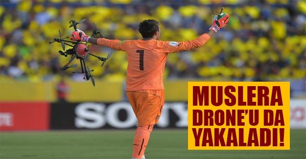 """""""Muslera uçak düşse kurtarır"""" sözü gerçek oldu! Muslera havada drone yakaladı"""