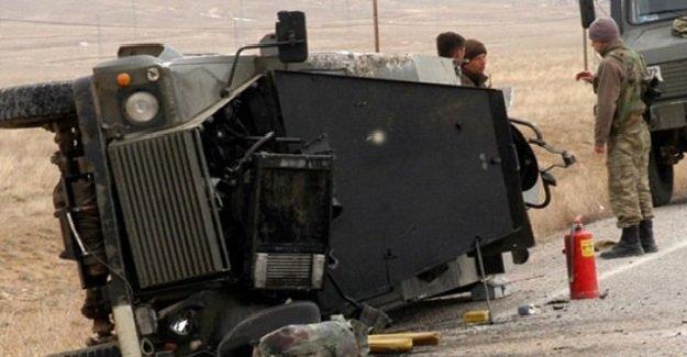 SON DAKİKA: Diyarbakır'da 3 asker yaralandı!