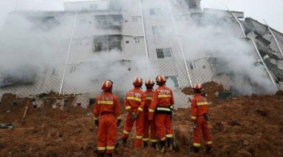 33 bina toprak altında kaldı: 91 kayıp