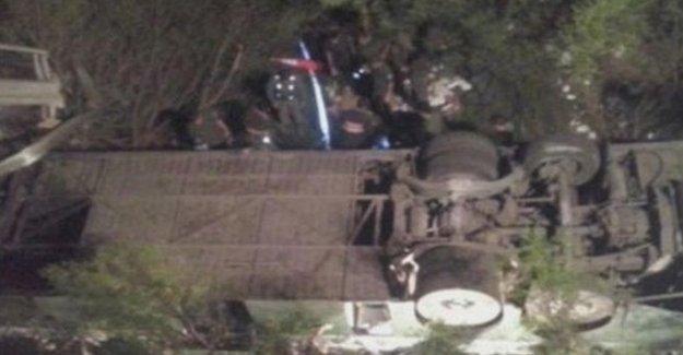 Askeri otobüs uçuruma düştü: 41 ölü