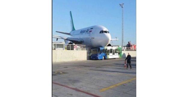 Atatürk Havalimanı'nda uçak kazası: Faciadan dönüldü
