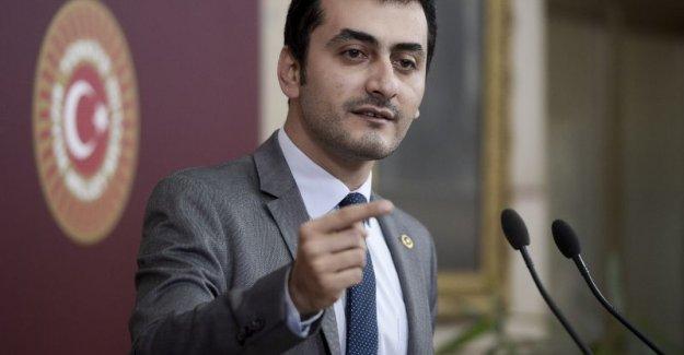 Eren Erdem'e bir darbe de avukatından