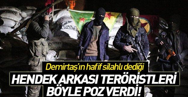 Hendek Arkasındaki PKK'lılar Ağır Silahlarla Poz Verdi