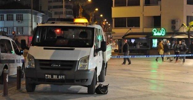 İzmir'de şüpheli çanta paniğe yol açtı!