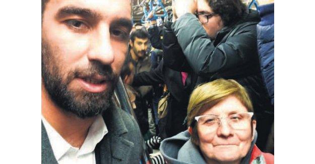 Osmanbey metrosunda Barcelona'lı bir yıldız!