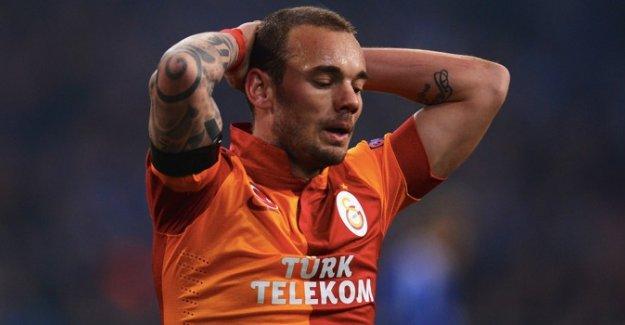 """Özdemir: """"Sneijder takımdan ayrılmak istiyor"""""""