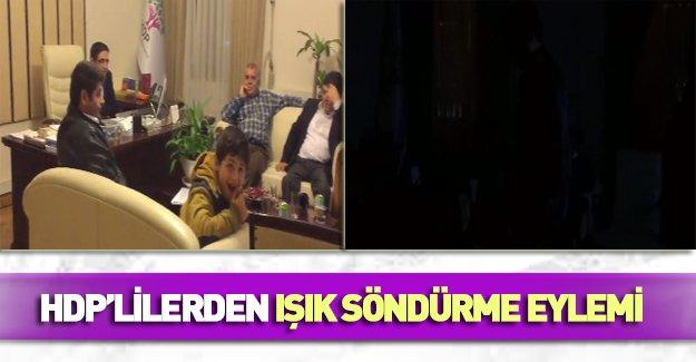 HDP'lilerden Meclis'te ışık söndürme eylemi