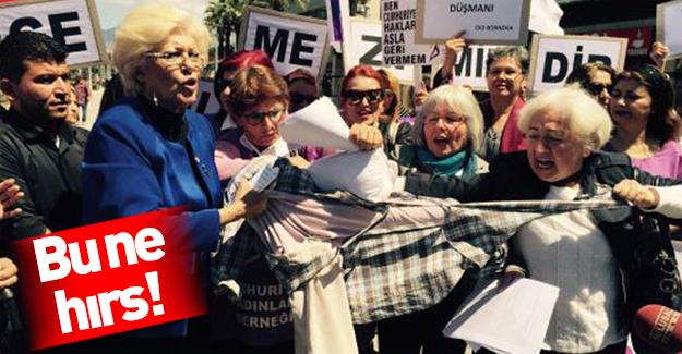 İzmirli kadınlar İsmail Kahraman'ın maskotunu parçaladı