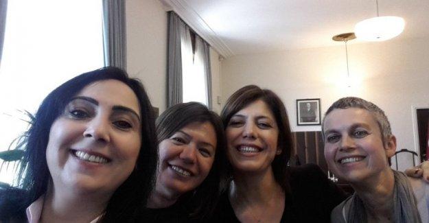 Terör sevici akademisyenlerden HDP'ye ziyaret!