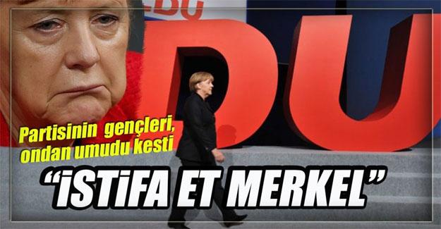 Alman gençler rahatsız!