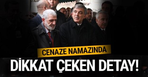 Abdullah Gül'ün cenaze namazındaki görüntüsü dikkat çekti
