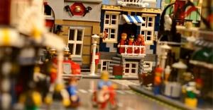 Harvard Üniversitesi'nden çaldığı 80 bin dolar ile lego seti satın aldı!