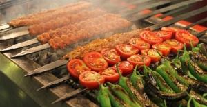 """Fransızlar kebaba savaş açtı! Belediye Başkanı Manard: """"Kebabın başkenti olmayacağız"""""""