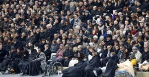 Fransa'da Paris katliamı anıldı: Şarkılarla direneceğiz!