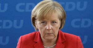 Merkel Fransa yolunda!