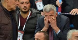 Hacıosmanoğlu gözyaşlarını tutamadı
